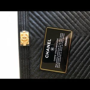 d7e1b0b01c42 CHANEL Bags - Chanel Caviar Black Large Boy O Case Chevron